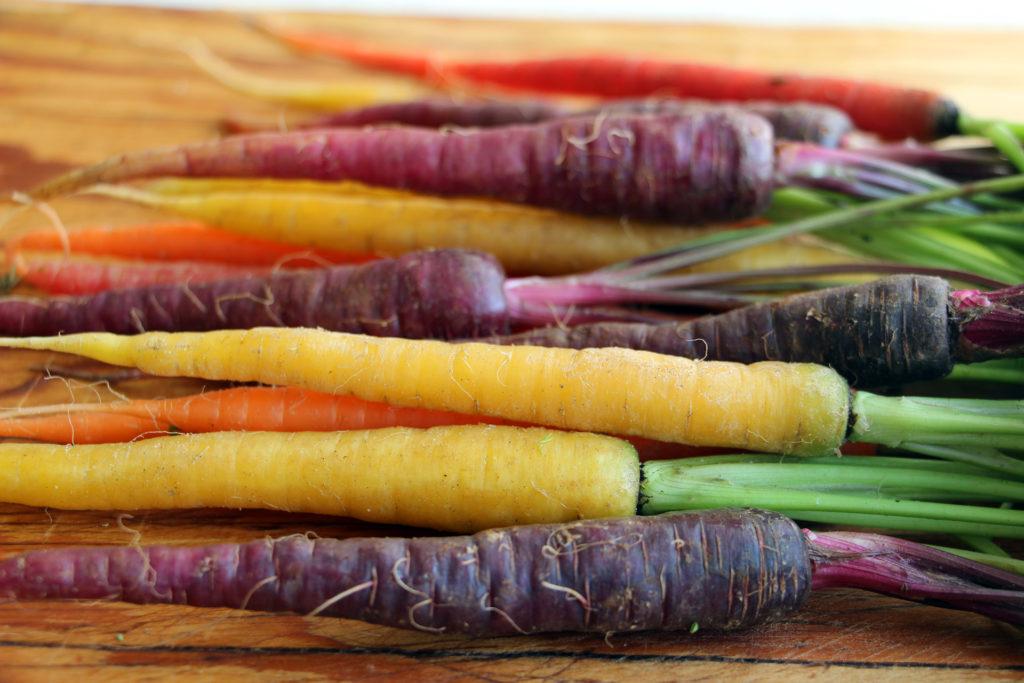 Colored Rainboq Carrots